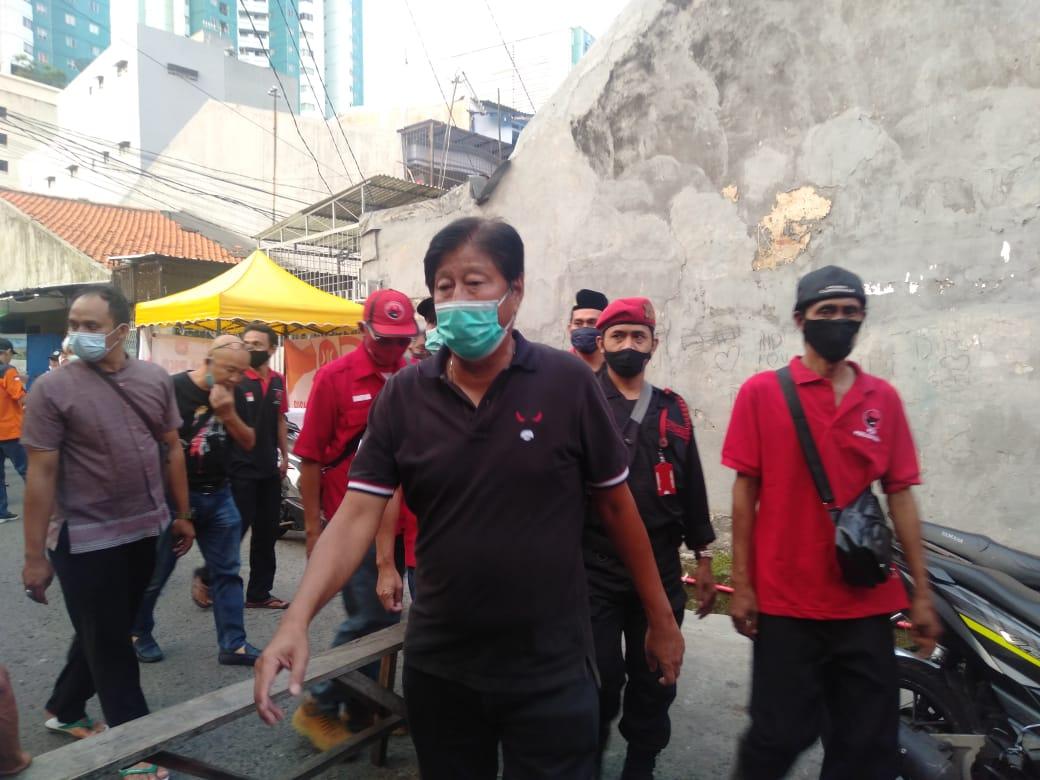 Banteng DKI Beri Bantuan ke Korban Kebakaran Keagungan