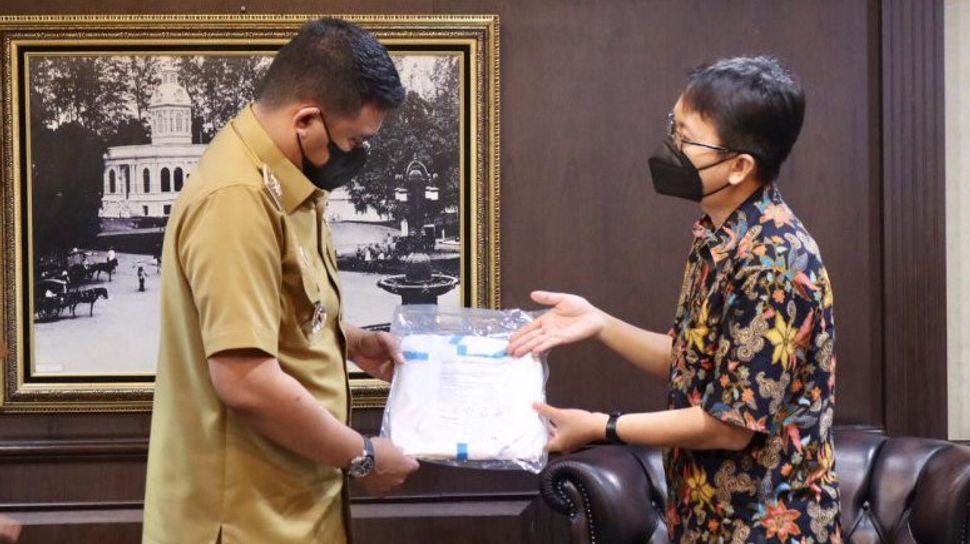 Pemkot Medan Terima Bantuan Baju Hazmat