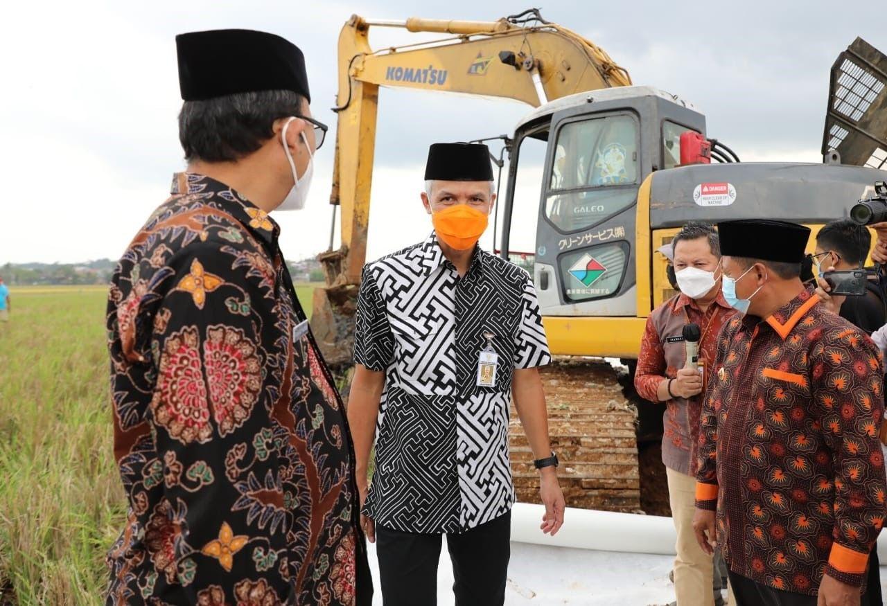 Ganjar Apresiasi Pembangunan Masjid Agung Purwokerto