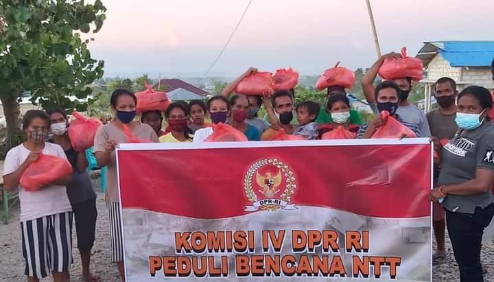 Ansy Salurkan Bantuan ke Korban Bencana Sumba Timur