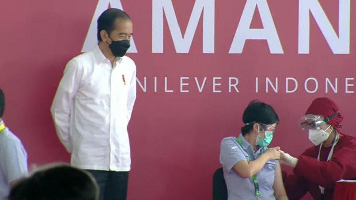 Presiden Harap Vaksinasi Bantu Dongkrak Pertumbuhan Ekonomi