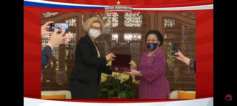 Megawati Jadi WNI Pertama Terima Order of Friendship Rusia