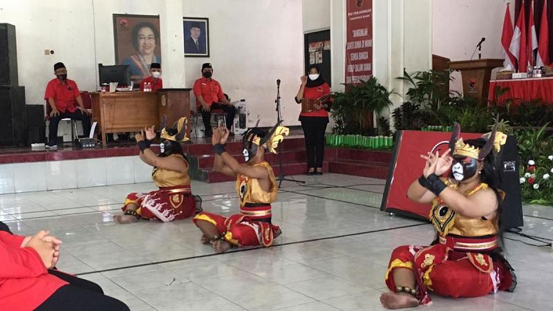 Sri Untari Beberkan Tari Reco Banteng Sebuah Penghormatan