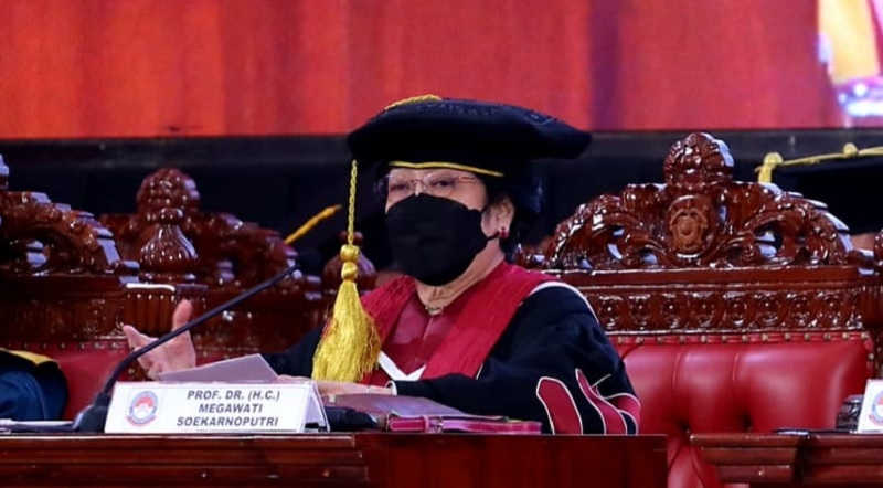 Ucapkan Terima Kasih, Mega Sebut Khusus Prabowo dan Nadiem
