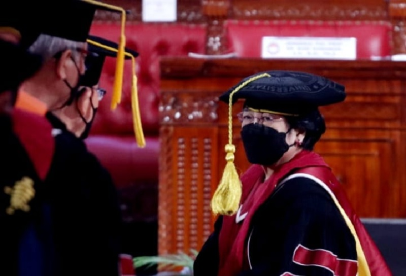 Saat Megawati Terisak Ketika Menutup Orasi Ilmiahnya