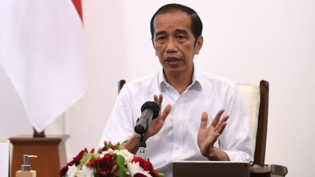 Presiden Jokowi Minta Kepala Daerah Pertajam PPKM Mikro