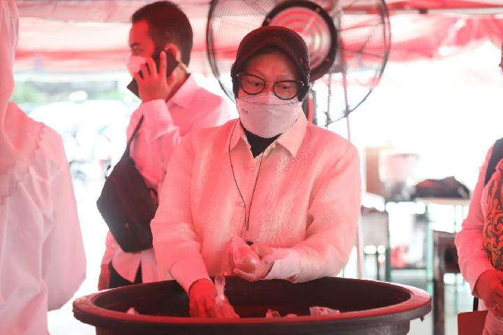 Risma Bantu Asupan Protein ke Masyarakat DKI Jakarta