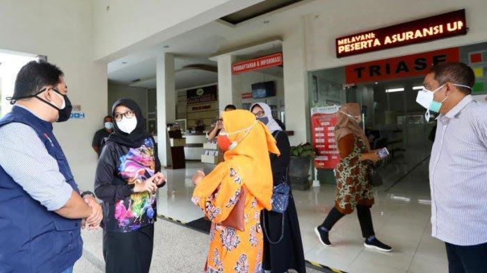 Ipuk Terus Berkeliling Pantau RS Rujukan