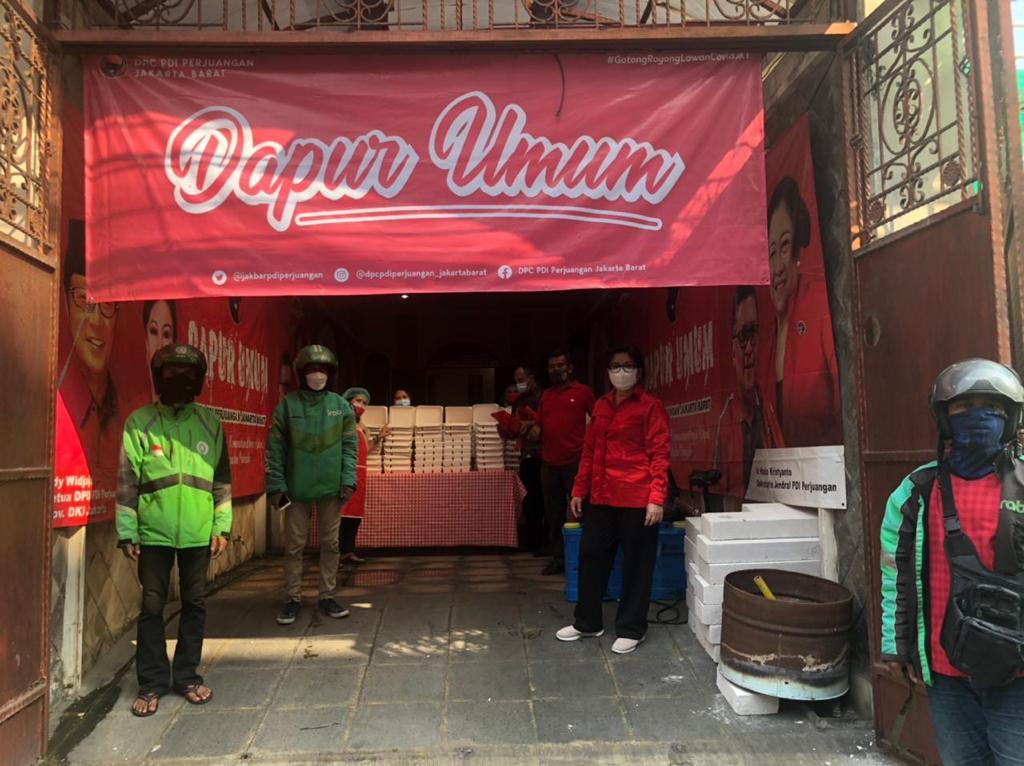 Bantu Warga Isoman, Banteng DKI Jakarta Buka Dapur Umum