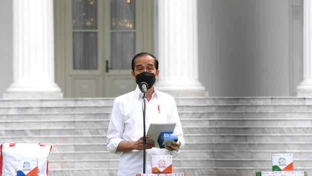 Presiden Jokowi Siap Bagikan Dua Juta Paket Obat Gratis