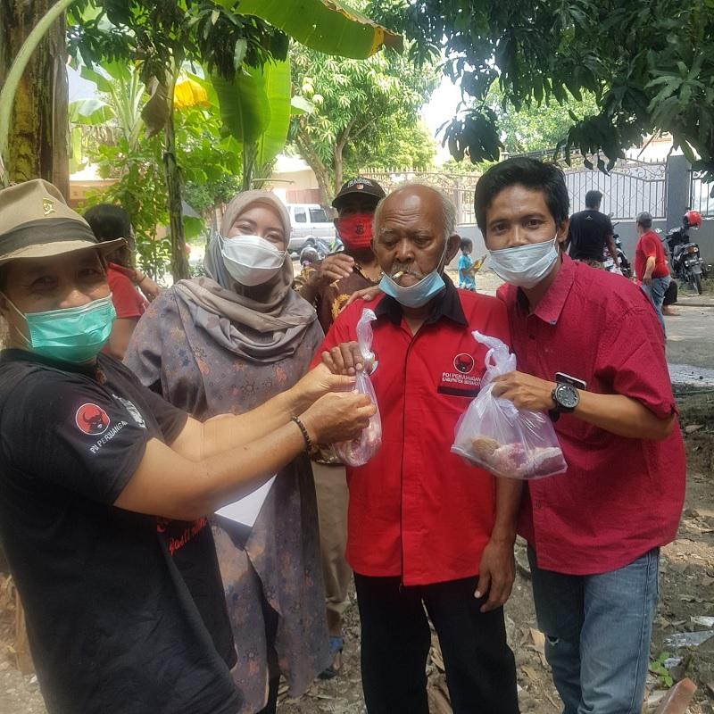 PDI Perjuangan Gedangan Sidoarjo Gotong Royong Kurban Sapi