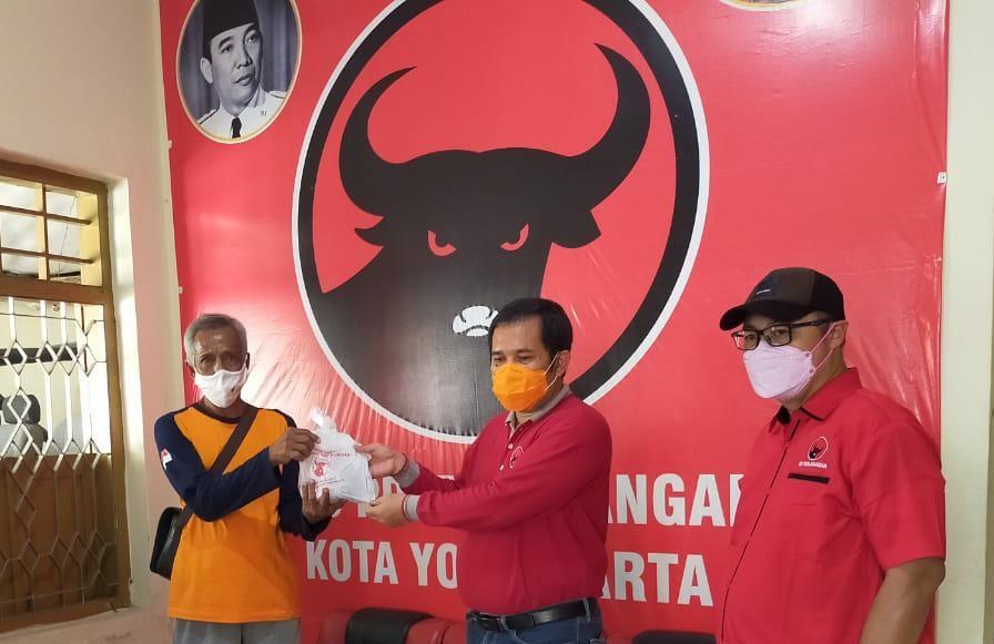 Iduladha, Banteng Yogyakarta Bagikan Daging Kurban