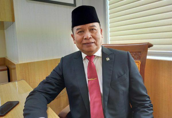 Hasanuddin Desak Sekjen DPR Klarifikasi Pengadaan Multivitam