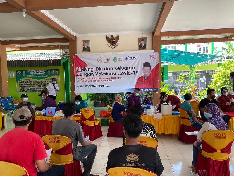 Banteng Bojonegoro Gelar Vaksinasi di Desa Pasinan