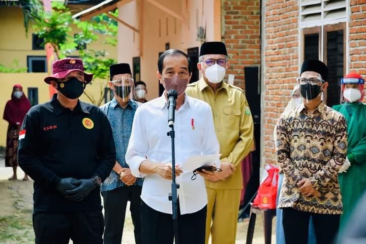Presiden Jokowi Harap Vaksinasi ke Santri Segera Tuntas