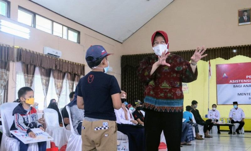 Risma Semangati & Motivasi Anak-anak Yatim di Kalsel