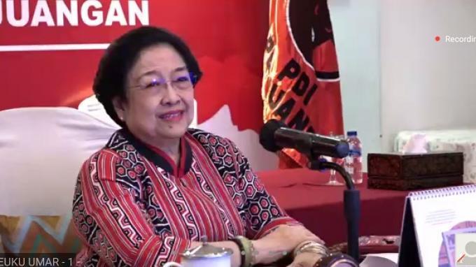 Megawati Berikan Benih Padi Varietas Unggulan ke Hevearita