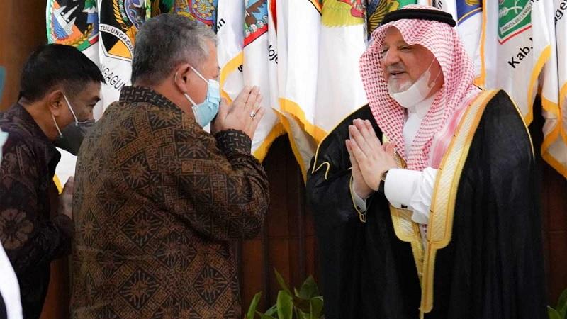 Arab Saudi Akan Buka Bertahap 10 Juta Tamu ke Tanah Suci